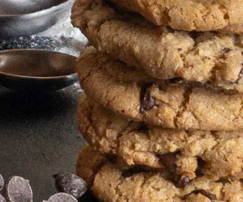 Best of Both Worlds: Chewy and Crisp Chocolate Chip Cookie