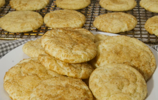 Chewy Delicious Snickerdoodle Cookies: With and Without Cream of Tartar.