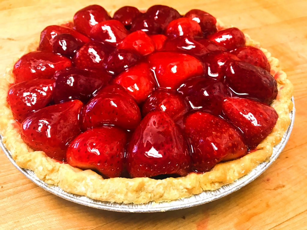 A beautiful picture of the finished strawberry pie.